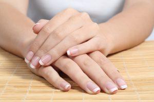 Nagelverlängerung bei Fingernägeln